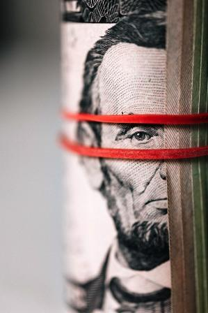 Red bands around Lincoln's eyes